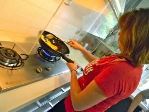Stir-frying eggplants!
