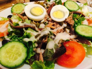 ensalade nicoise (learned how to say it correctly too!)